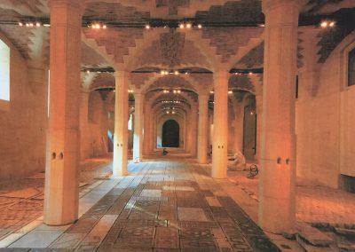 ARCADES AU LOUVRES - PARIS : Réalisation de la pose de dalles granit ancienne et pavés
