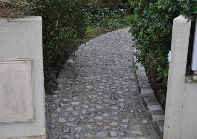 Aménagement d'une allée en pavés granit ancien mélange 10x9x8cm posés en rosace - Le Vesinet Yvelines 78