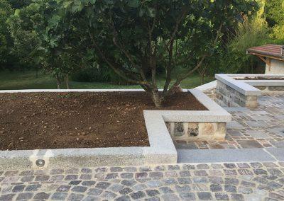 Aménagement de terrasse et jardin en pavé granit - Lamorlaye Oise