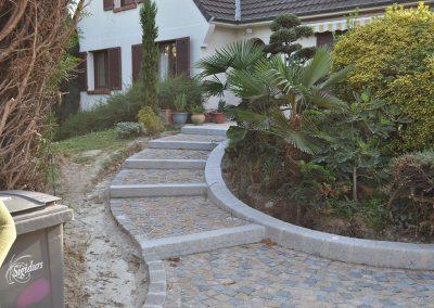 Aménagement des escaliers en bordures granit 20x30 anciens et pavés granit 10x9x8 mélange - Gouvieux Oise