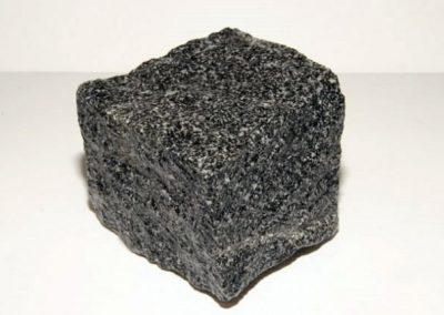 Pavé granit Gris foncé neuf toute face eclaté 10 x 9 x 8 cm