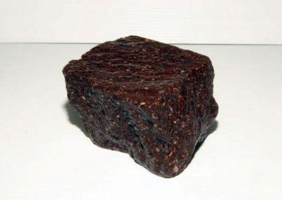 Pavé granit ancien 14 x 20 x 14 cm Faconné par l'usure.