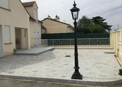 Réalisation d'une terrasse en pavés granit sciés-14x20x7cm
