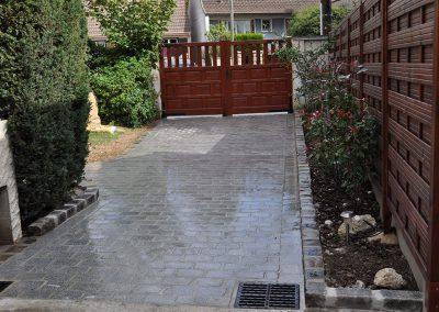Rénovation d'une allée en pavés granit 14x20x7cm sciés et réalisation de bordure en pavés granit anciens 14x20x14 cm