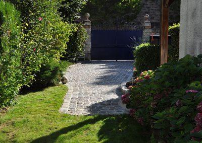 Rénovation d'une cour en pavés granit anciens mélange 14x14x12cm