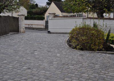 Rénovation d'une cour en pavés grès mélange 14x20x14cm Avilly Saint Léonard