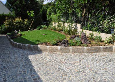Rénovation de la cour et pavés granit 10x9x8cm ancien et bordures grès 20x30 longueur libre pour la réalisation du muret